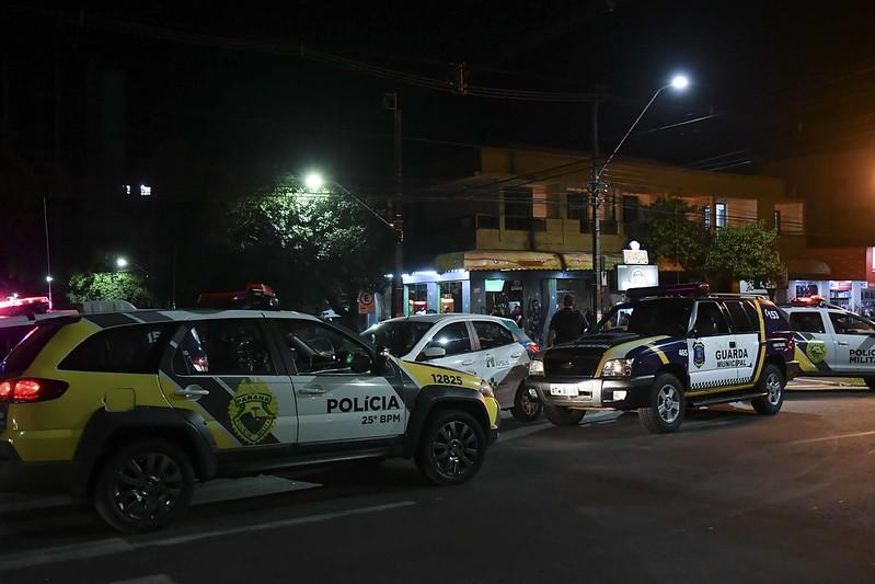 Fiscalização dispersa aglomeração com 300 pessoas no centro da cidade