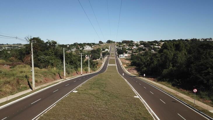 Asfalto na av. Frei Orlando Busato aproxima regiões importantes de Umuarama