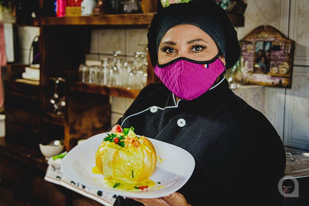 Frio abre a temporada para o consumo de caldos e sopas e rende lucro para as cozinheiras