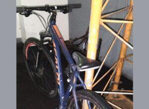 Polícia Militar prende suspeito de furtar bicicleta, na avenida Brasil