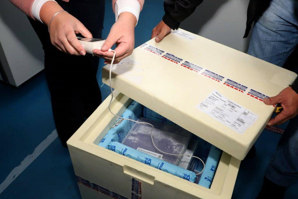 Regional de Saúde de Umuarama recebe 5.674 doses de vacina contra a Covid