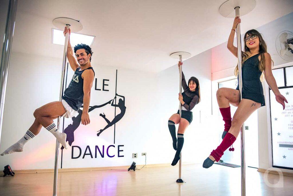 Dança, esporte e autoestima: prática do pole dance atrai homens e mulheres em Umuarama