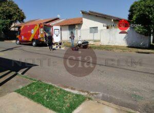 Criança de dois anos que era transportada em Biz fica ferida após acidente