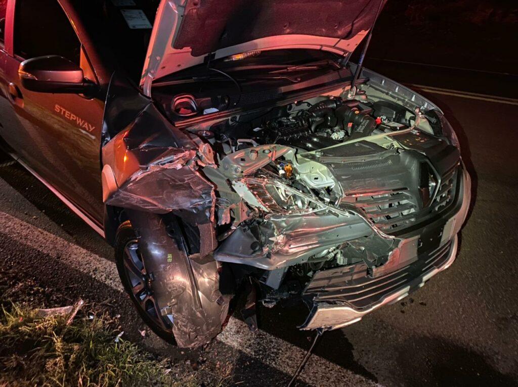 Colisão entre dois veículos deixa quatro  pessoas feridas na PR-323