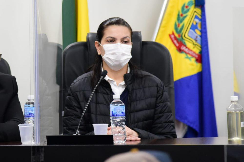 Ex-diretora de Saúde de Umuarama não responde grande parte das perguntas da CPI