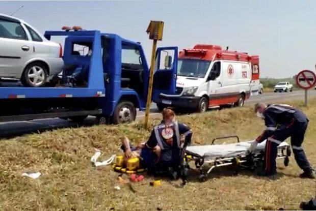 Acidente entre caminhão e guincho na PR-323 deixa um homem ferido
