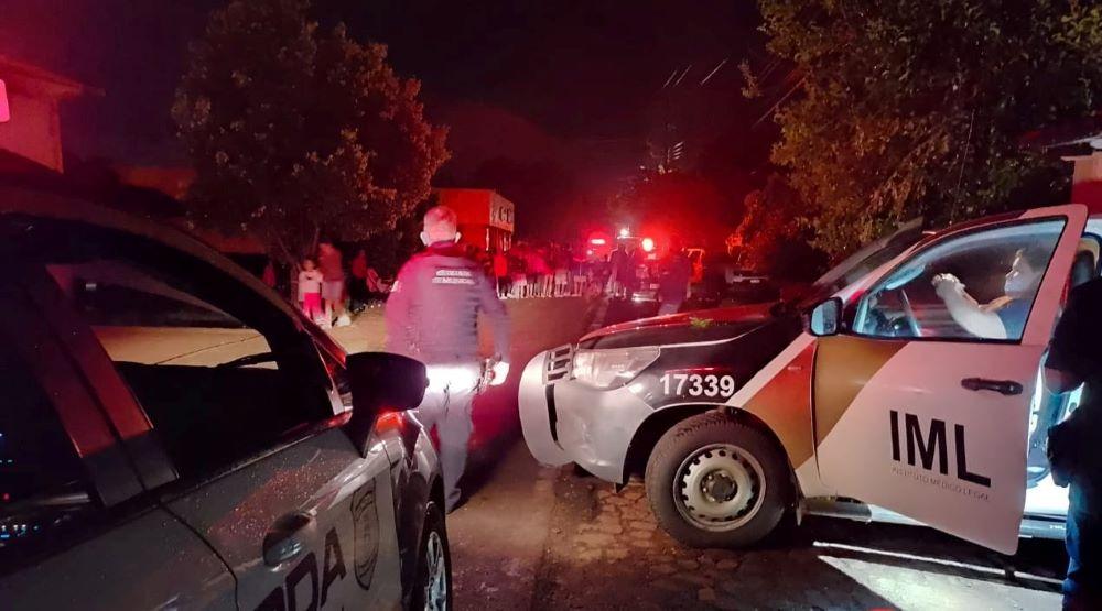 Homem morre eletrocutado após encostar em fio de alta tensão em Foz do Iguaçu